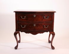 Small commode in walnut, 20th century