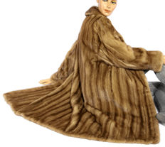 Fabulous mink coat in honey brown, soft mink striped coat from Cologne.