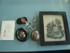 9 genuine reliquaries, silver medal, silver cross (1889), relic (1868), box, bouquet, statuette, hair...