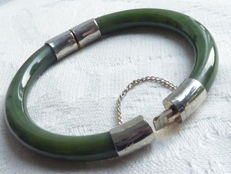 Nephrite, vintage bracelet of 2 solid, nephrite parts with hinge and clasp
