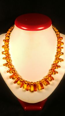 Natural Vintage ca. 1960's Natural aged Cognac - Ruby colour Baltic Amber necklace, length ca. 48 cm, 32 grams