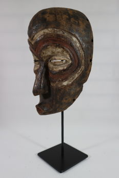 Ceremonial wooden mask - LULUA - D.R. Congo