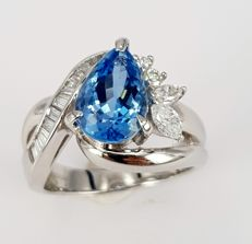 2.33 carats Aquamarine Ring with Baguette and Marquise and Full Cut Round Diamonds