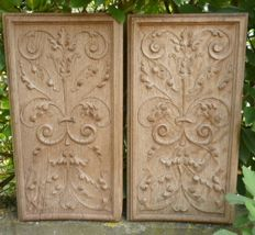 Pair of finely sculpted oak panels in Renaissance-style - 19th century, France