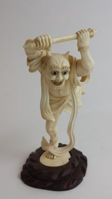 Magnificent Ivory carving of Oni - Japan -  19th century