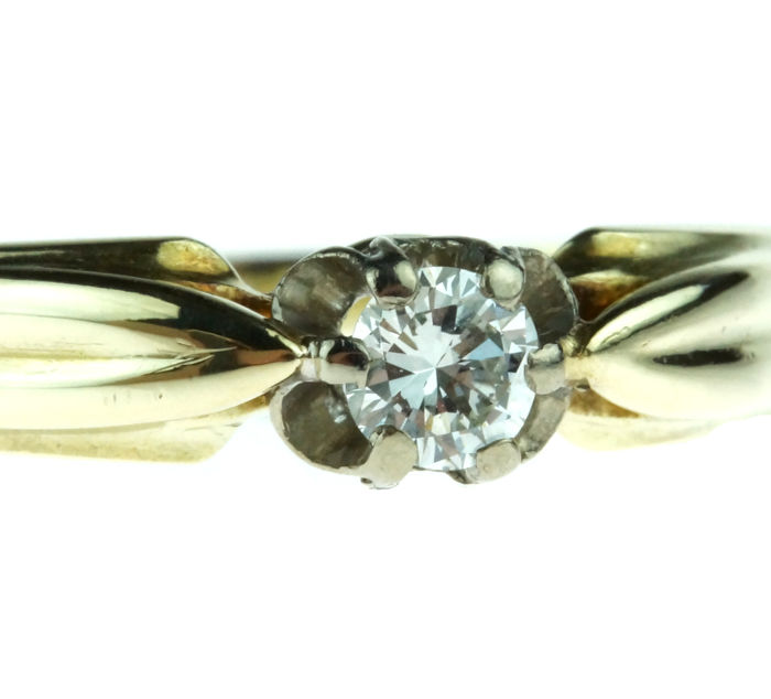 14 karat gold solitaire ring with  brilliant cut diamond, 0.18 ct, newly polished - ring size 18