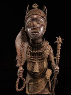 Bronze Oba Commemorative Figure - BENIN - Nigeria