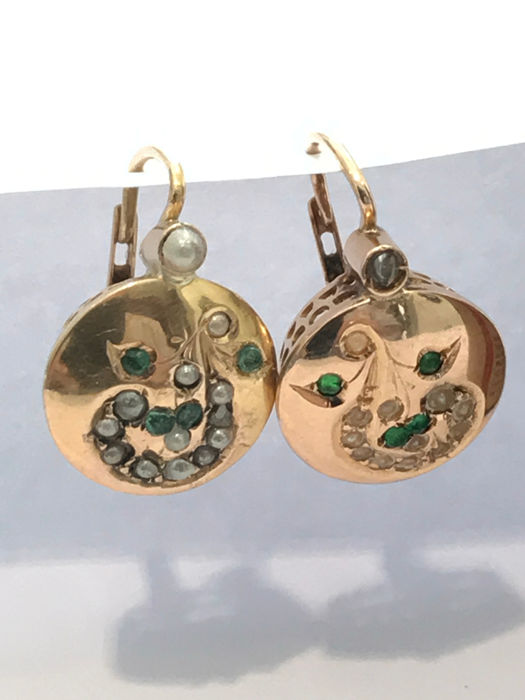 Antique earrings with emeralds and pearls