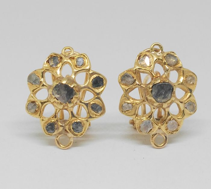 Pair of antique earrings -14 kt yellow gold- Late 19th/early 20th century - Diamonds of 1 ct