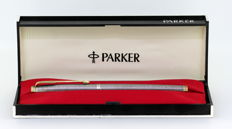 Vintage Sterling Silver Parker Fountain Pen With 14K Yellow Gold Nib, USA Circa.1990's