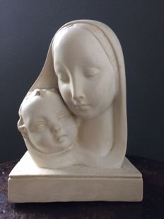 Beautifully designed Mary with child - provenance probably northern France