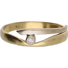 14 kt - Bi-colour yellow/white gold ring set with a brilliant cut diamond of approx. 0.05 ct - ring size: 16.5 mm