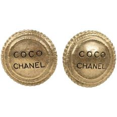 Chanel - 1994 Gold Metal Coco Chanel Round Clip-on Earrings