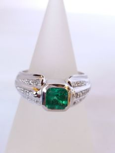 Ring with 0.81-ct Octagonal-Cut Colombian Bright-Green Emerald (Clarity: S1) and Brilliant-Cut J/K-Colour 0.15-ct Diamond (Clarity: S1)