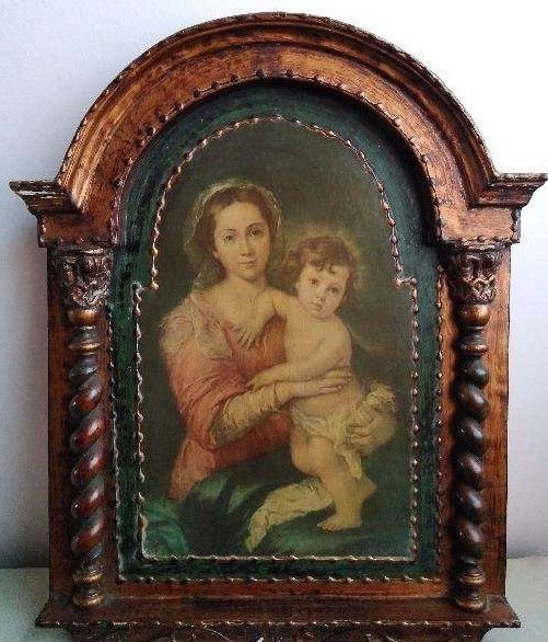 Antique Altarpiece on wood of Mary with the Child in her lap. Beginning 20th Century - Portugal.