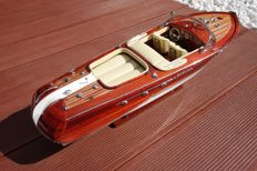 Very nice model of the boat Riva Aquarama, cream seat finish