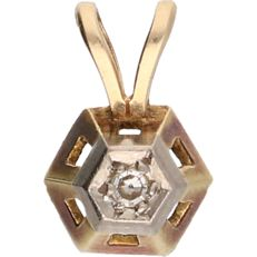 14 kt – Yellow gold pendant set with an octagonal cut diamond of approx. 0.04 ct in a white gold setting – length x width: 1.2 x 0.9 cm
