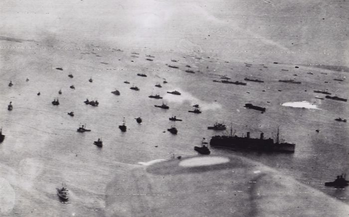 Acme/British Official Photo - Allied fleet on D-Day - 1944