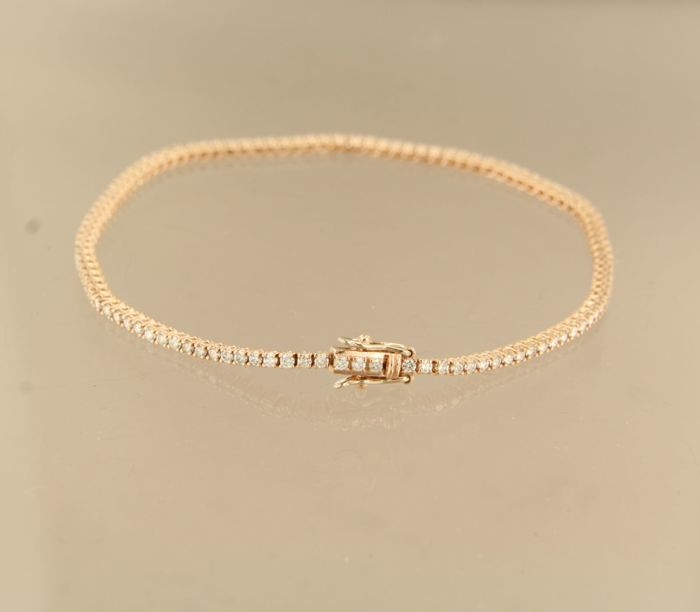 - no reserve price - 18 kt rose gold tennis bracelet set with 108 brilliant cut diamonds, approx. 1.40 carat in total