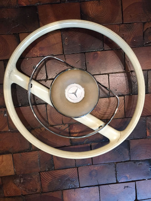 Mercedes Benz L steering wheel with a chrome ring - in its original condition - 45 cm diameter