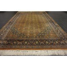 Distinguished handwoven Oriental carpet Indo Bidjar Herati 300 x 190 cm made in India in good condition