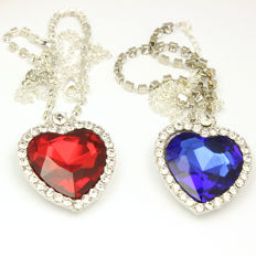 Lot of 125 pieces necklaces of famous Titanic movie  Heart of Ocean in blue and red
