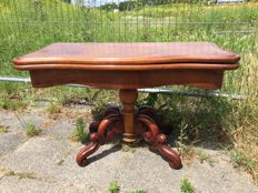 A William III mahogany games table, with hinged top - The Netherlands - end of 19th century