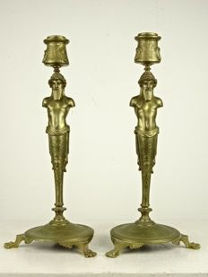 A fine pair of bronze candlesticks - France - 19th century
