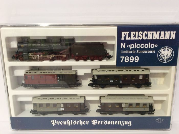 "Fleischmann N - 7899 - train set ""Preußischer Personenzug"" of the K.P.E.V.  with steam"