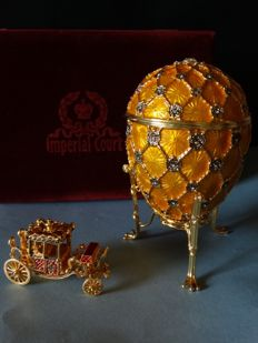 "Imperial Coronation Egg - Collector Egg (1 kg / 17 cm) - Luxury Edition ""Imperial Court"" - Enamel - Swarovski Rhinestones - 24k Gold finish"