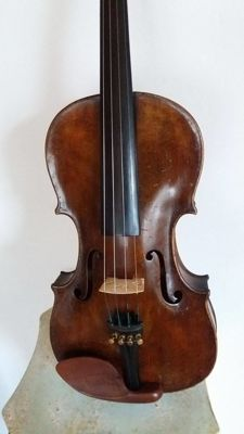 4/4 old Violin with labeled Nicolaus Amati