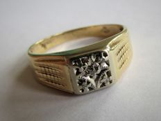 Handmade Gold men's ring with 5x natural diamond. NO RESERVE PRICE!