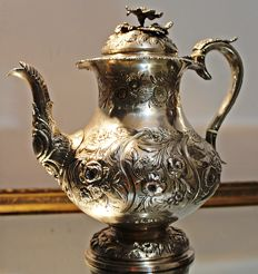 A George IV silver teapot - James Wintle - London - 1827