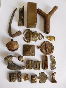 Lot of 21 figurines and weights - ASHANTI - Ghana
