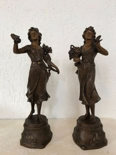A pair of bronzed zamak sculptures - France - approx. 1900.