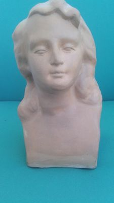 Female bust sculpture in white terracotta - Italy - 20th century