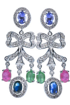 18 kt. Exclusive evening earrings weighing 11.62 g, with gold, 126x diamonds weighing 1.00 ct, and 5.20 ct of precious stones: emeralds, rubies, tanzanites and blue sapphires. Length: 42.80 mm. No reserve price.