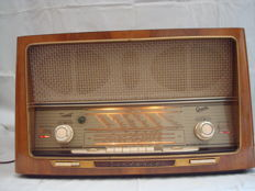 Graetz tube radio from 1957