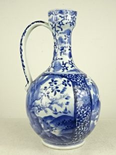 Arita porcelain ewer - Japan - Late 17th century