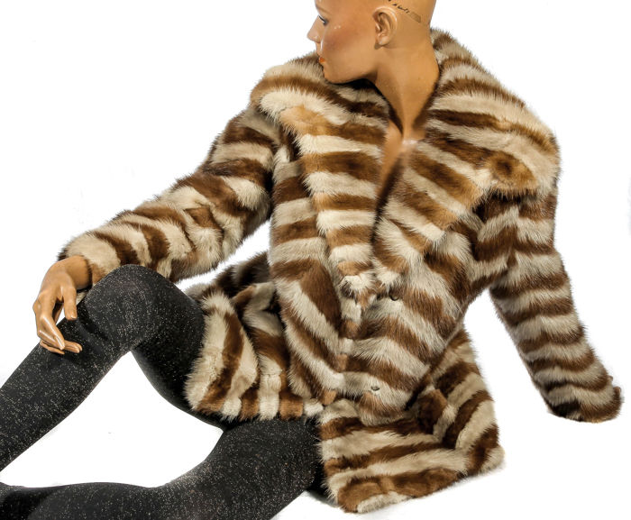 Eye-catcher rare mink jacket striped zig-zag pattern fur jacket made of mink vintage