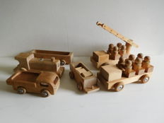 6 vintage wooden toy cars - Jukka made in Finland