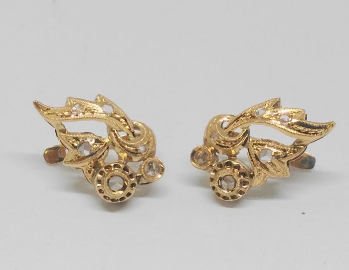 Pair of antique 14 kt yellow gold earrings - late 19th, early 20th century
