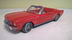 Presicion 100 - Scale 1/18 - Ford Mustang Convertible 1964 1/2 - Red