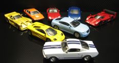 BlueBox-DeAgostini - Scale 1/43 - Lot with 13 models: Aston Martin, Ford, BMW, Lamborghini, McLaren, Lexus & Lotus