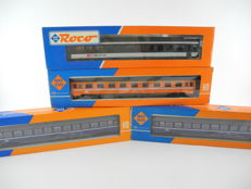 Roco H0 - 4 differing four axle passenger carriages of the SBB [462]