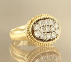 14 kt, bi-colour gold ring set with 13 brilliant cut diamonds, approx. 0.98 carat in total, ring size 17.25 (54)