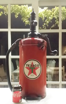 Oil pump 1960s Texaco
