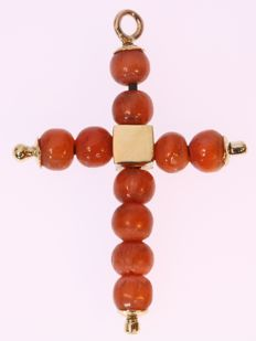 Antique blood coral and gold cross pendant anno 1860 - No reserve price