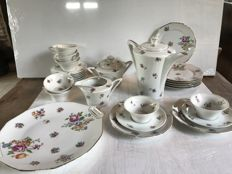 "Coffee and dessert service, 32 pieces, ""Legrand limoges France"""