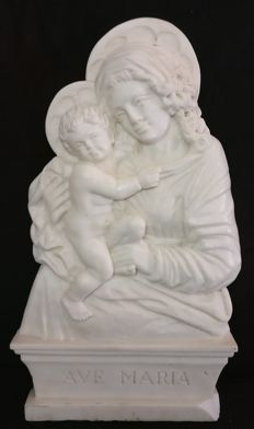 Carrara statuary marble Madonna with Child, worked and sculpted by hand - Italy, Venice - late 1800s